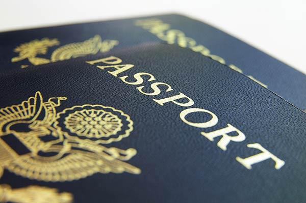 Gestión de trámites, certificados y visados.